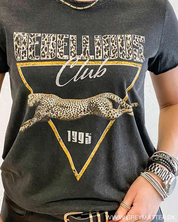 Onllucy Life Rebellious Club T-Shirt