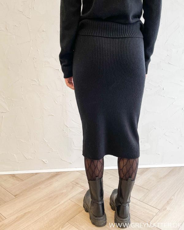 Viril Pencil Black Knit Skirt