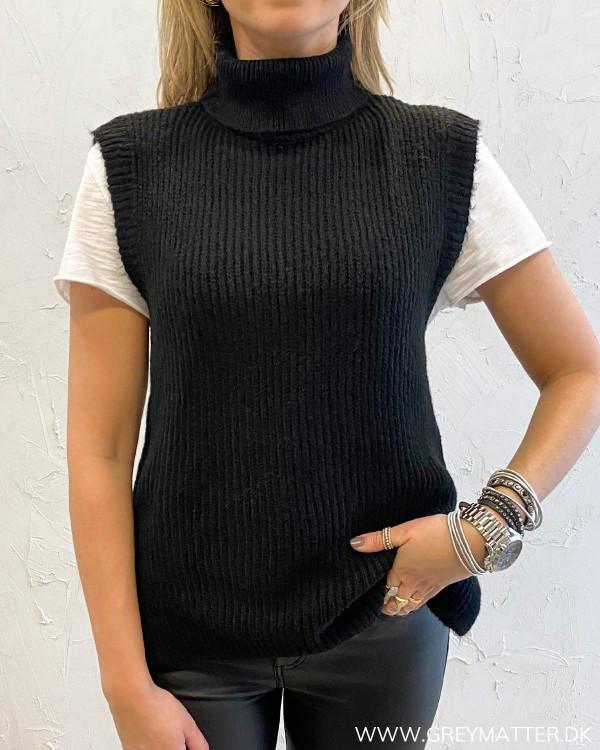 Onlcora Black Rollneck Knit Vest