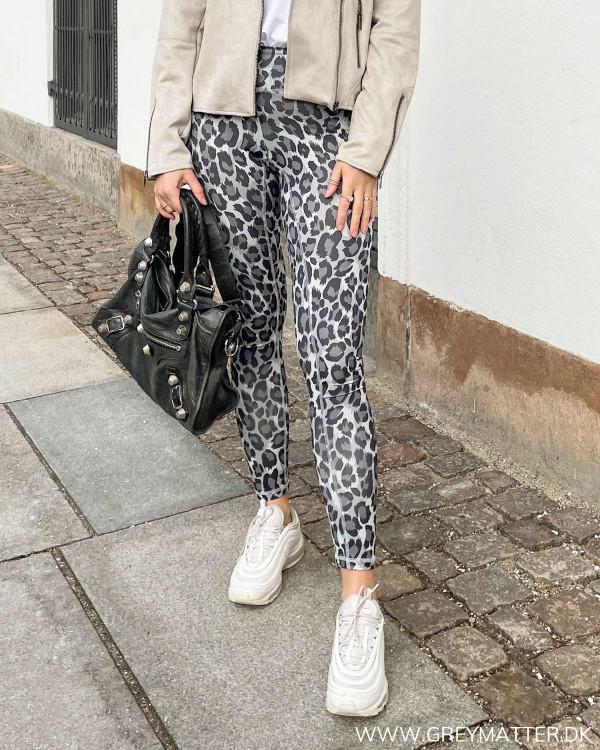 Onlkoda Grey Leopard Leggings