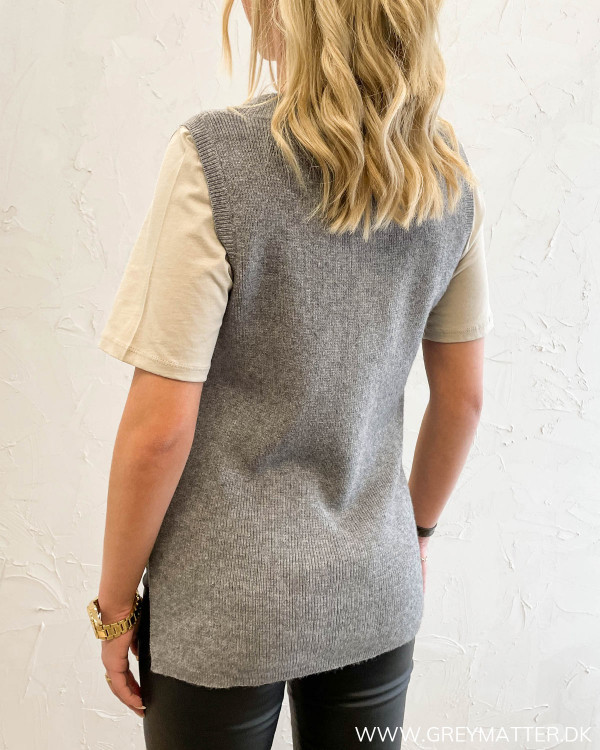 Viril V-Neck Medium Grey Melange Knit Vest