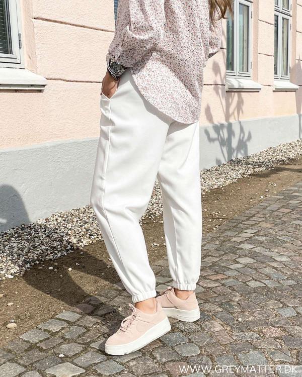 Dame bukser i comfy stil