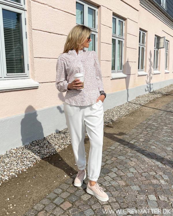 Sweat bukser til damer med detaljer