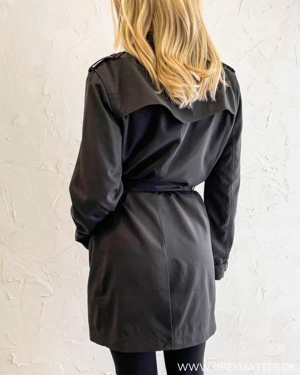 Vimovement Black Trenchcoat