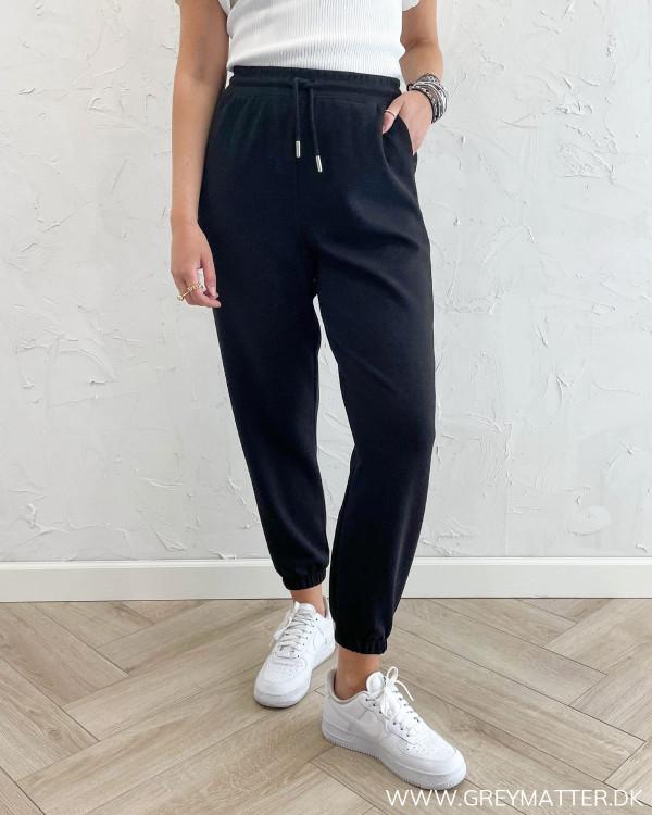 Sweat bukser i sort til damer