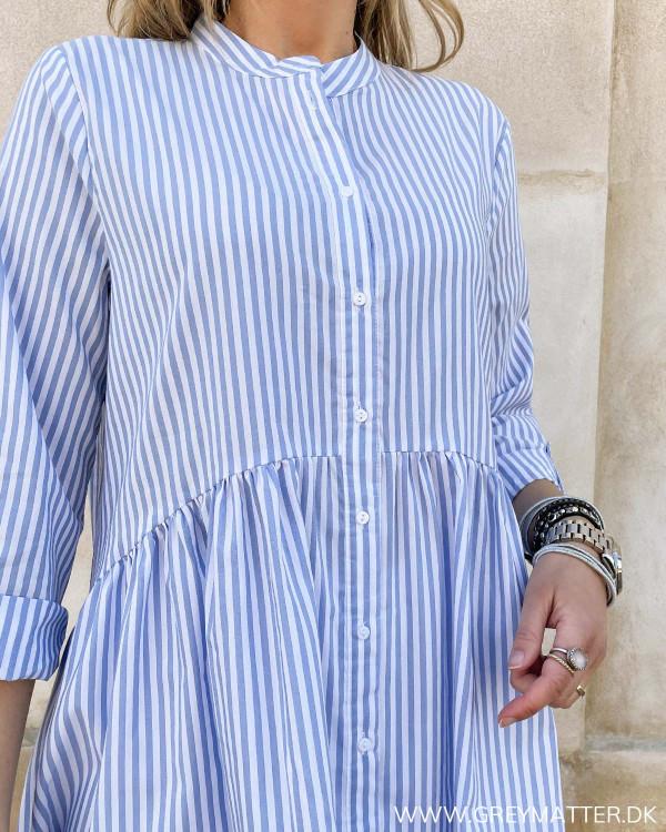 Skjortekjole til damer med knapper foran