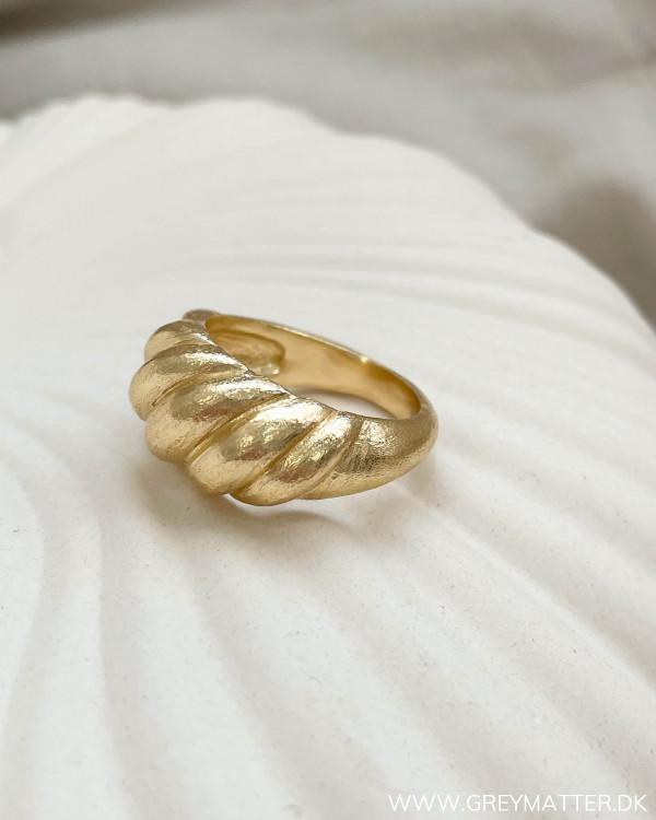 Golden Wave Ring