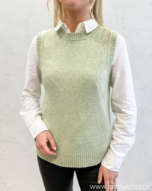 Viril Desert Sage O-Neck Knit Vest