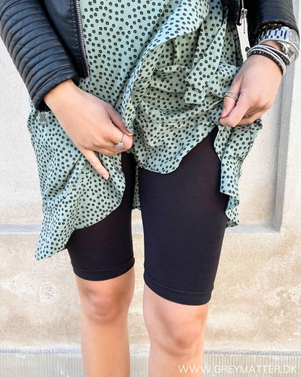 Sorte shorts til damer, der kan bruges til under kjoler