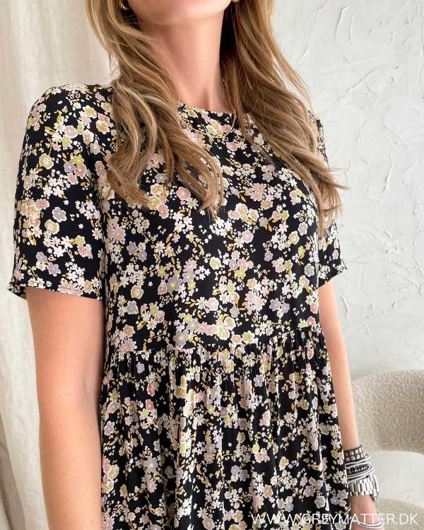 Pieces kjole med blomsterprint