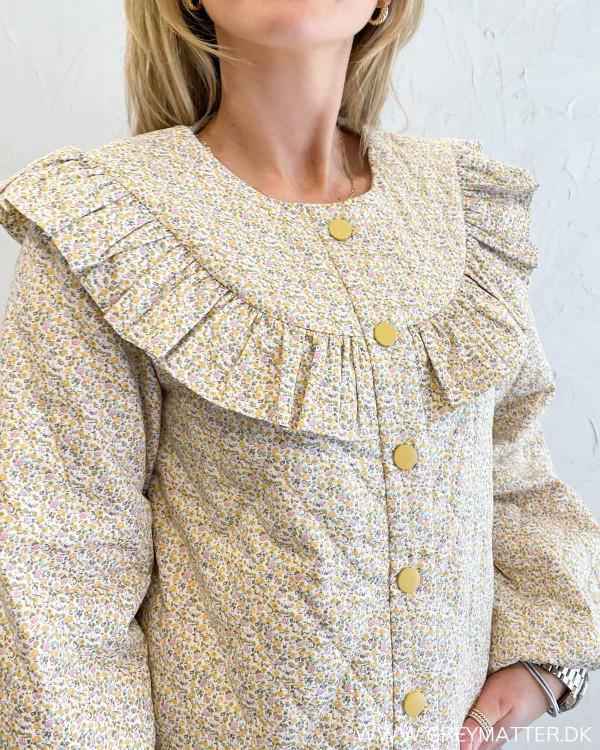 Flot jakke i blomsterprint fra Vila