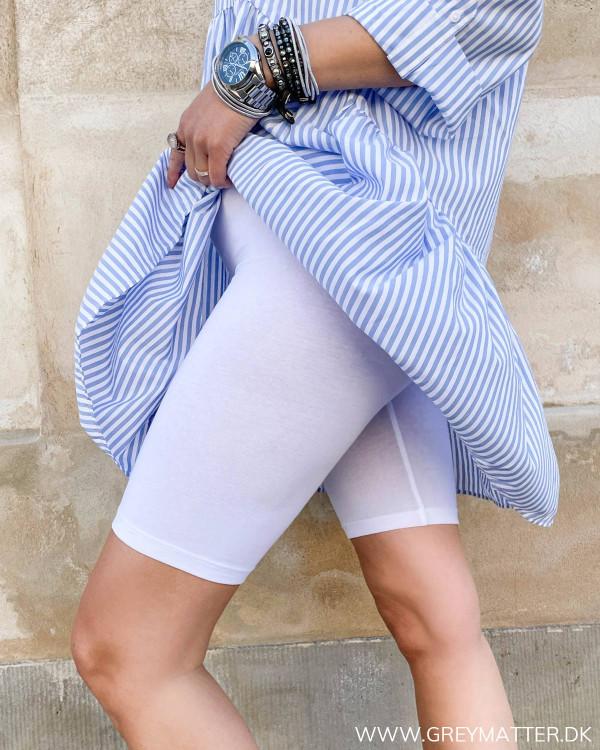 Bomulds shorts til under kjoler i hvide fra Only