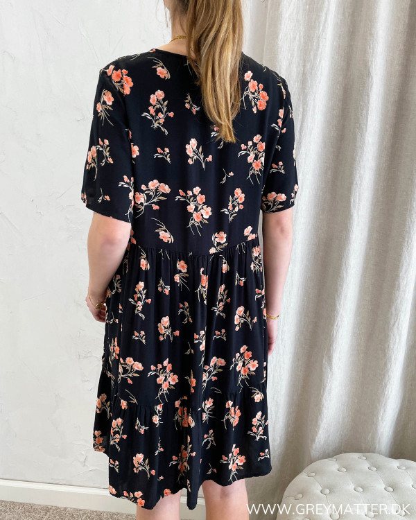 Viskose kjole fra Pieces med blomsterprint