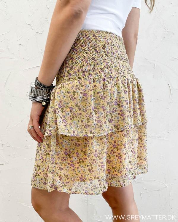 Nederdele med flæser og print