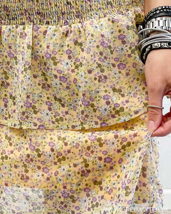 Blomsterprint fra Pieces på nederdel