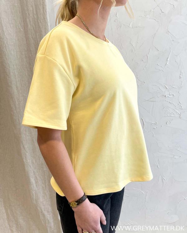 Gul t-shirt til damer