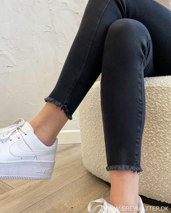 Sorte jeans til kvinder