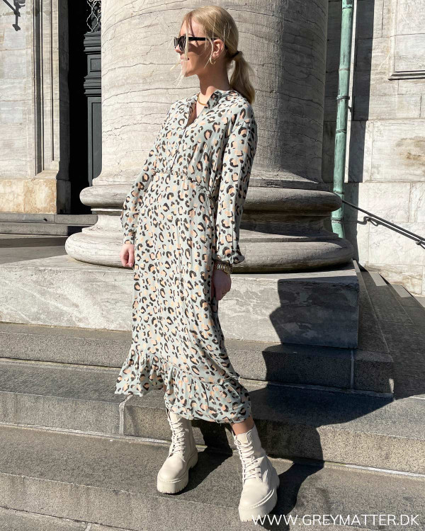 Leopard print kjole fra Pieces