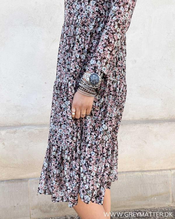 Forårs print på kjole