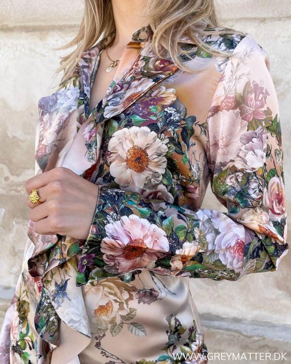 Kjole med blomster mønster fra Karmamia