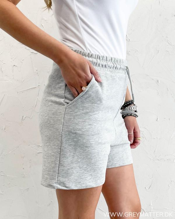 Sweat shorts i grå fra Only til damer