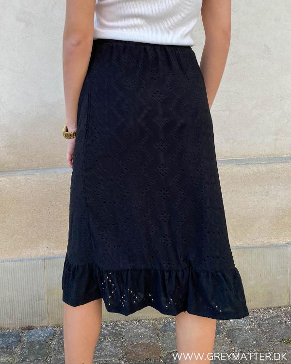 Blonde nederdel i sort med bindebånd
