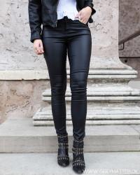 Vicommit Black Coated Pants