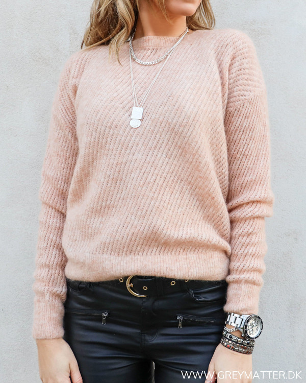 Lyserød strik bluse