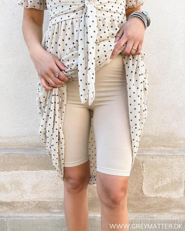 Shorts til under kjole i nude