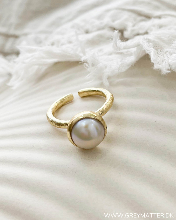 Smuk perle ring fra Pure By Nat
