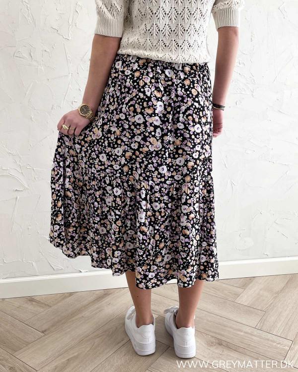 Lang nederdel med blomsterprint