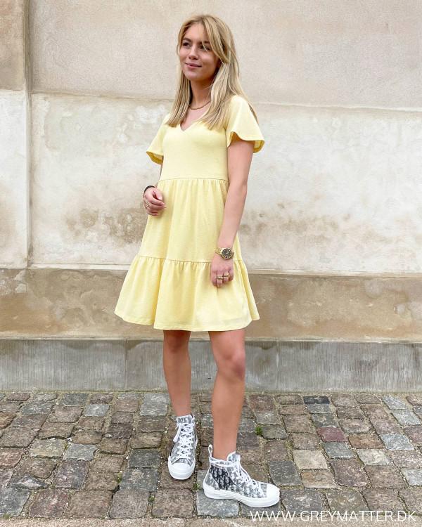 Sommerkjoler i gule farver