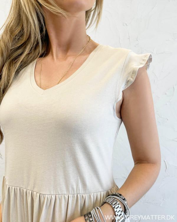 Sommerkjole uden ærmer med flæsedetaljer