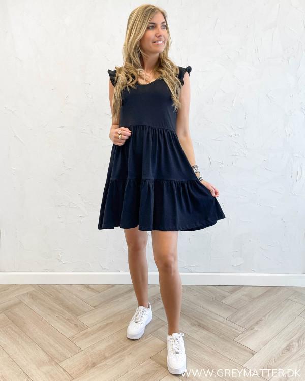 Sorte kjoler til sommer fra Only