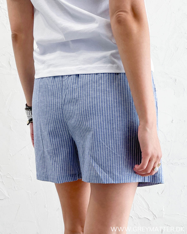 Shorts til damer med striber