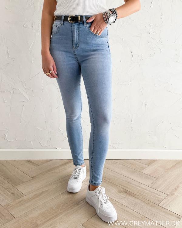 Højtaljede jeans til damer