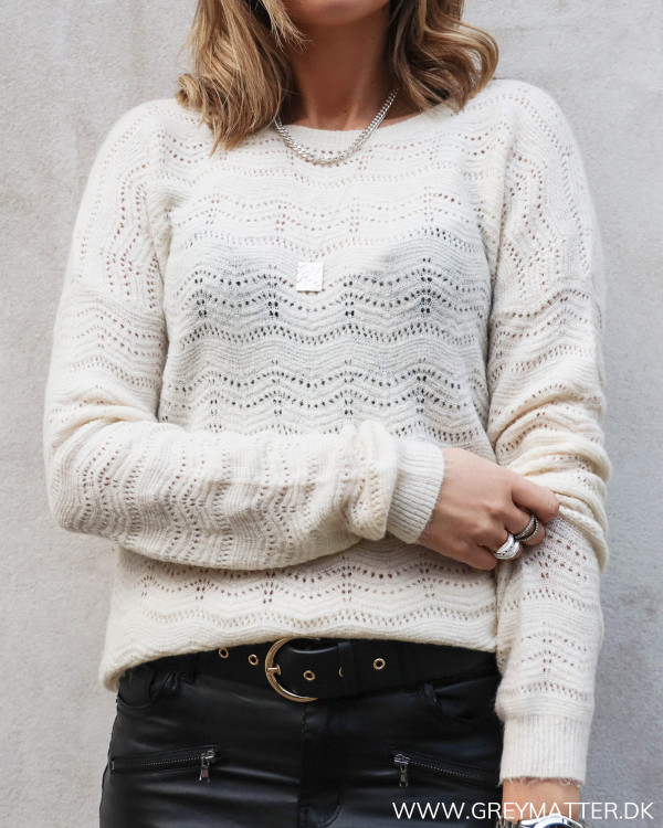 Deep Back Off-White Knit
