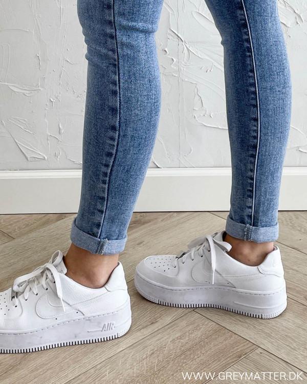 Jeans til damer med fold op forneden