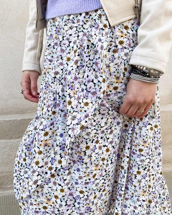 Nederdel med flot blomsterprint