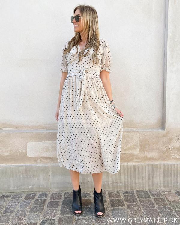 Smuk prikket kjole fra Grey Matter