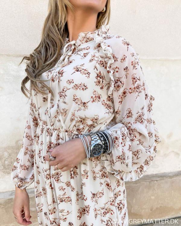 Blomsterprint kjole med flæser