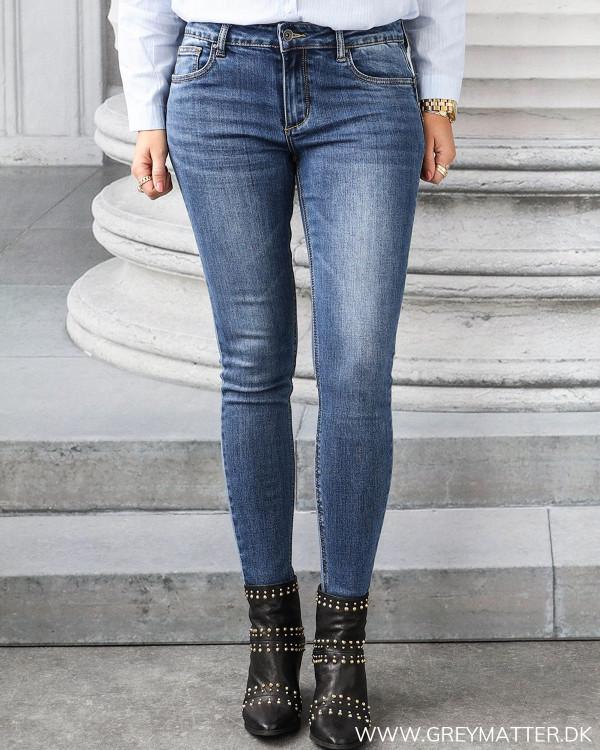 Dark Blue Basic Jeans