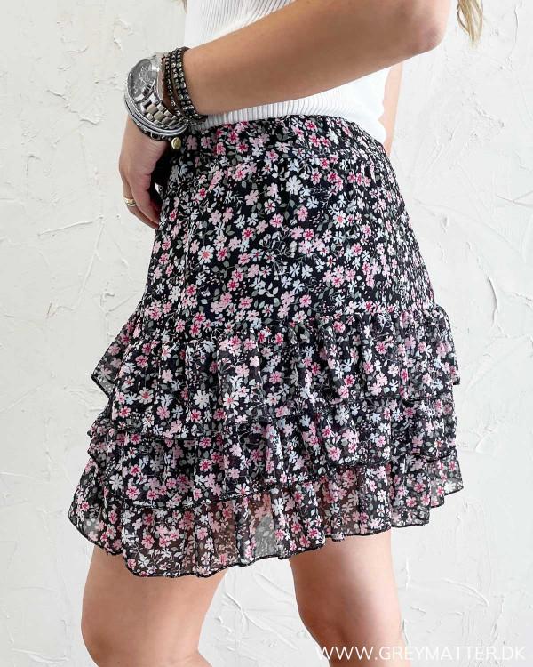 Nederdel med flæser og print