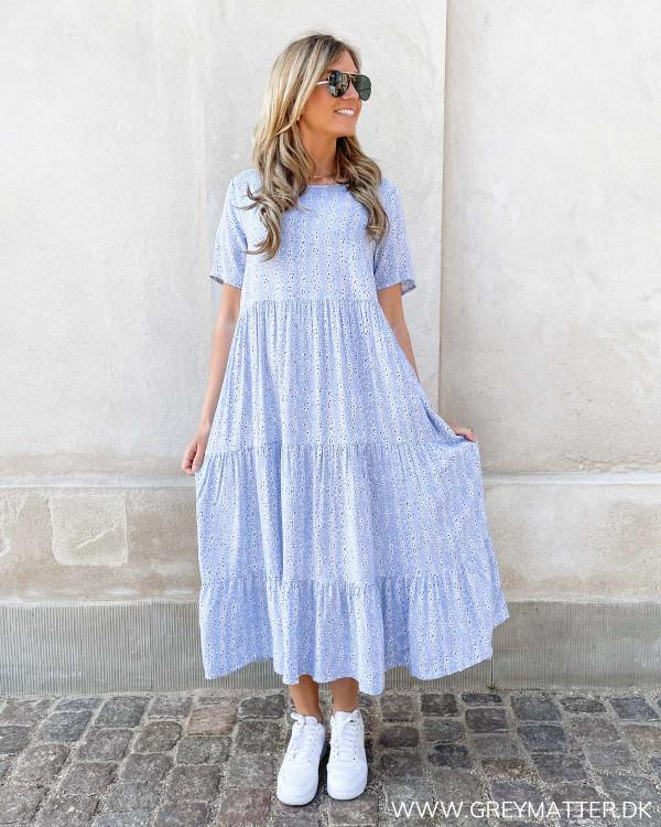 Kjole i lyseblå fra Only