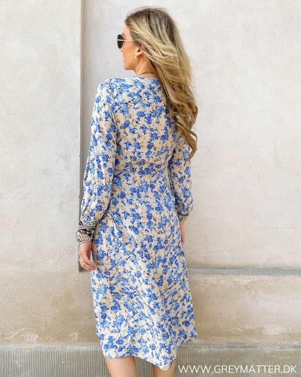 Populær Only kjole med blåt print
