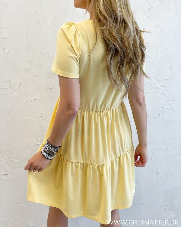 Sommerkjole fra Vila i gul