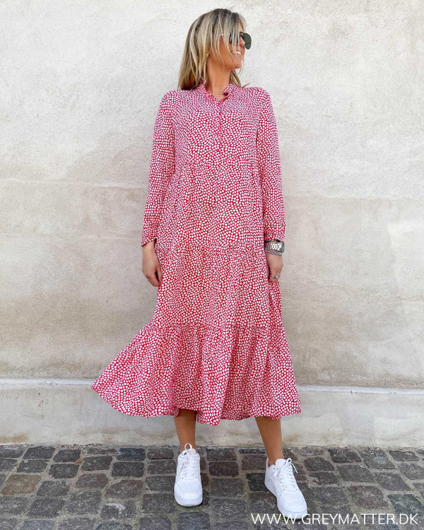 Midi dress i rød fra Grey Matter Fashion