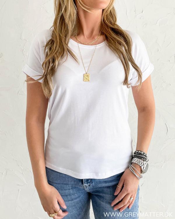 Hvid t-shirt til damer i blød kvalitet