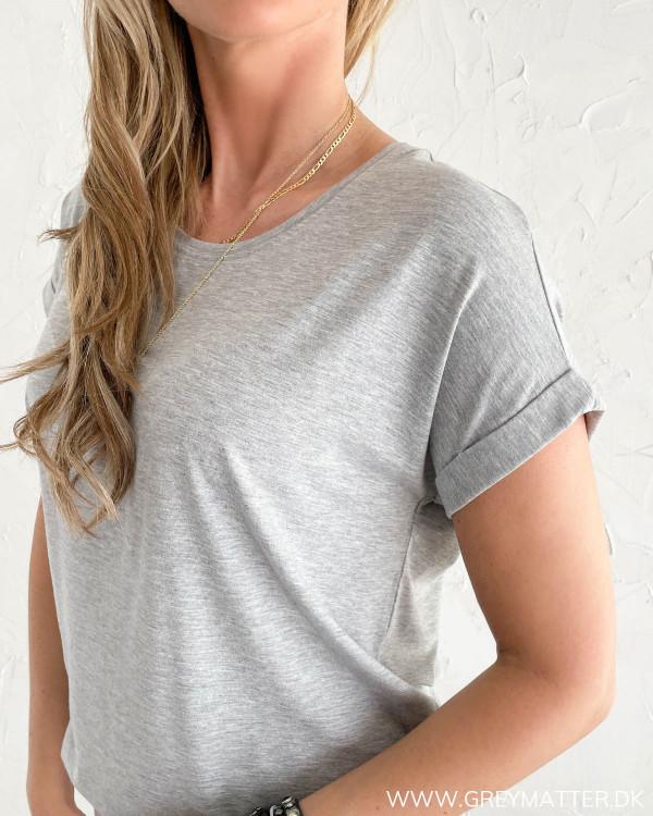 T-shirt i lysegrå til damer fra Only