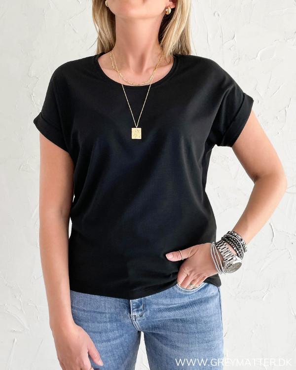 Sort basis t-shirt til damer i blød kvalitet